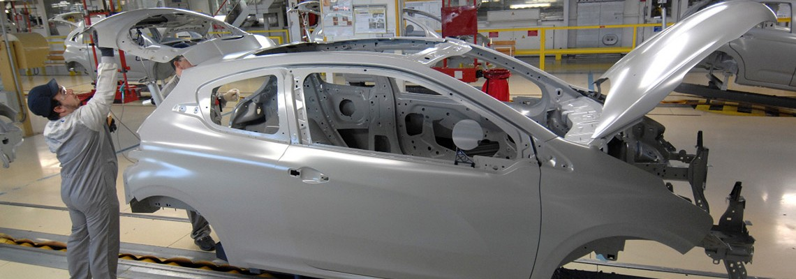 PSA Peugeot Citroën: the Poissy Plant fully equipped with Desoutter Tools